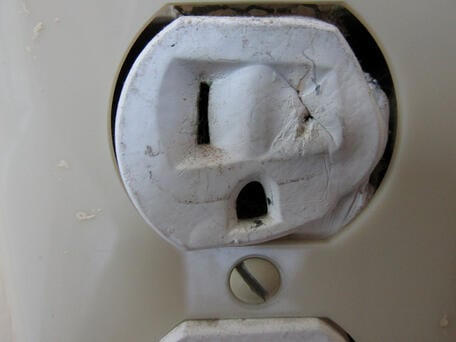 Melted-Outlet-Face