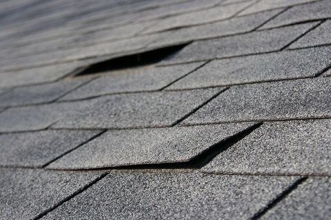 damagedroofshingles