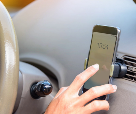 mounted cell phone in car